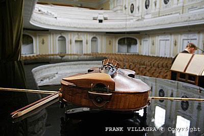 Violin en Sala del Conservatorio